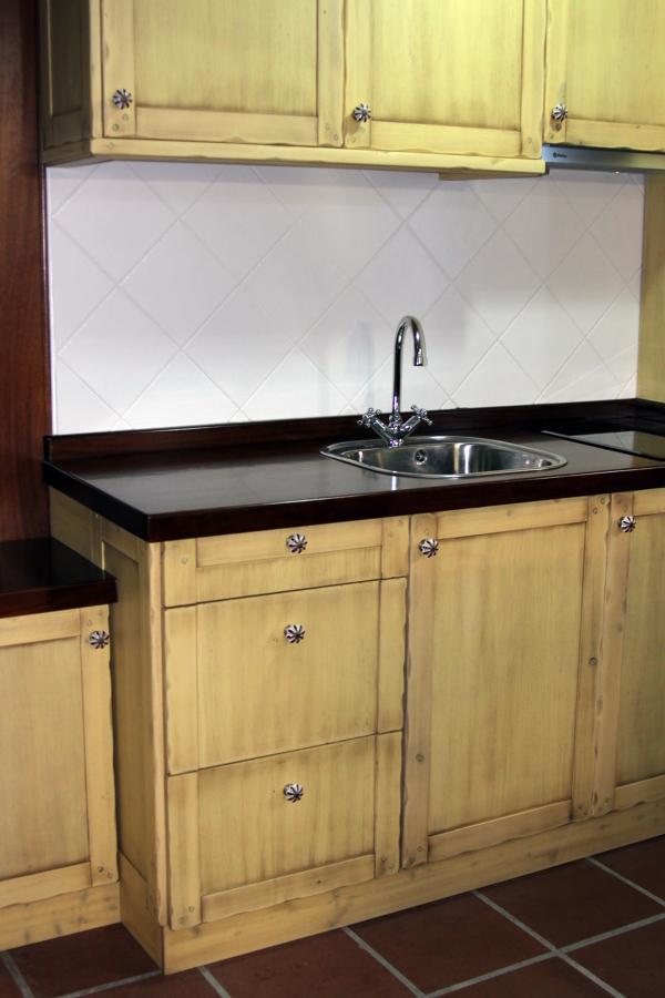 Foto cocina r stica de carpinter a jos rutia s l for Muebles de cocina zamora