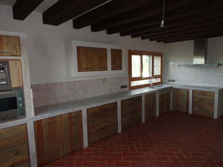 Foto cocina r stica de muebles de la granja 782633 - Cocinas de obra rusticas ...