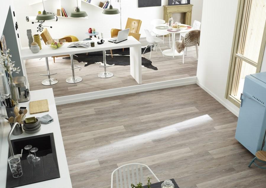 Pisa sobre seguro y elige el mejor suelo para tu cocina for Suelos vinilicos para cocina