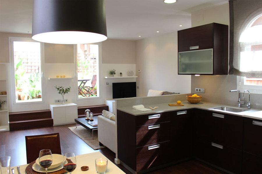 Cocina y salón en espacio abierto