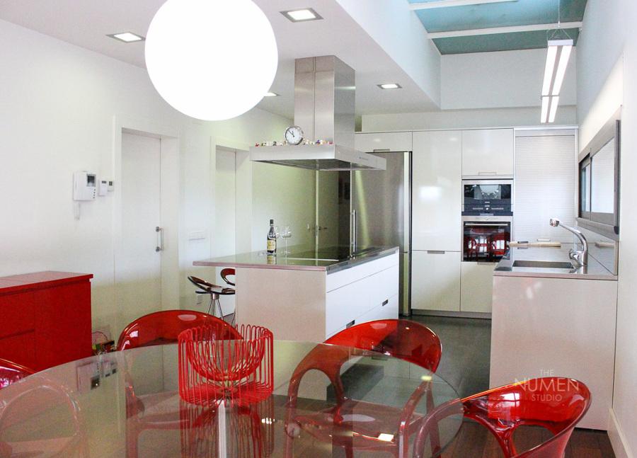 Minimalismo luz y color ideas decoradores - Presupuesto cocina completa ...