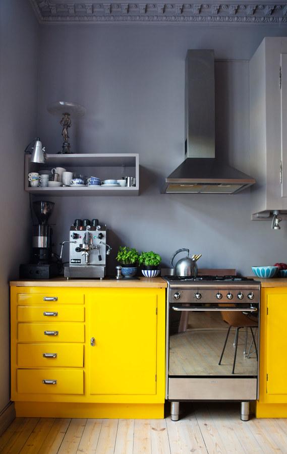 C mo reformar tu cocina sin quitar los azulejos ideas for Cubrir azulejos cocina