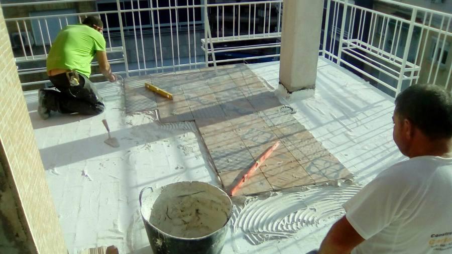 Colocación de baldosa en terrazas