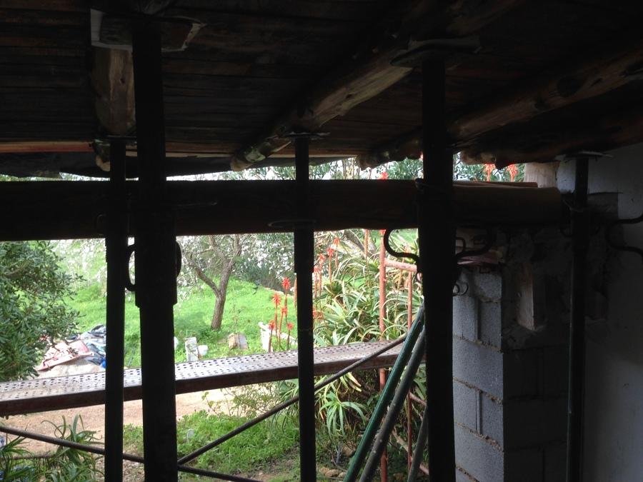Colocación de jacena con techo apuntalado
