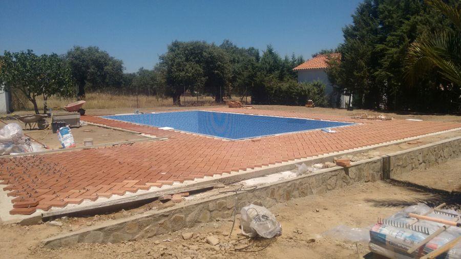 Piscina de hormig n ideas construcci n piscinas for Precio construccion piscinas hormigon