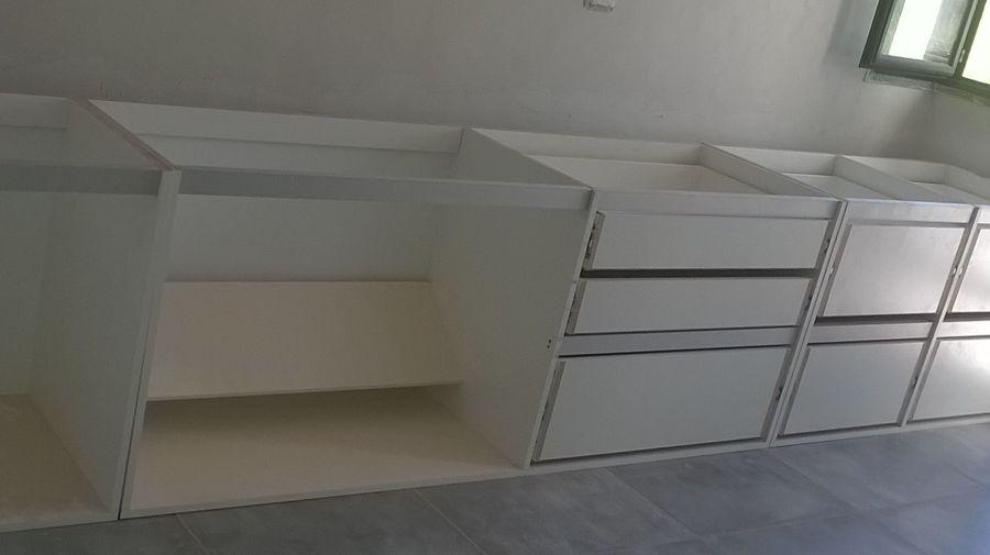 Foto: Colocacion de Muebles de Cocina de Via Construccion E ...