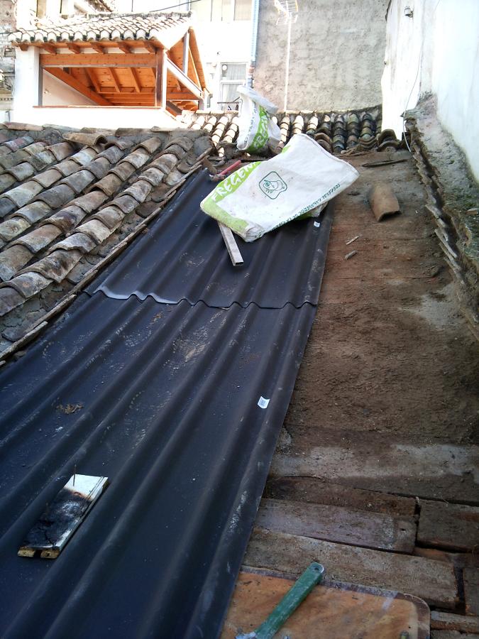Rehabilitacion de cubierta en granada ideas tejados for Tejado madera onduline