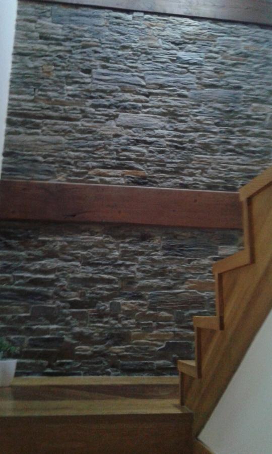 Construcci n de casa unifamiliar en cacabelos en le n - Colocacion de piedra natural ...