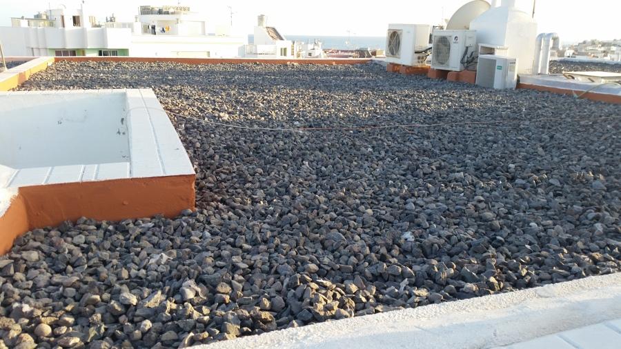 Colocación de piedra para aislamiento térmico