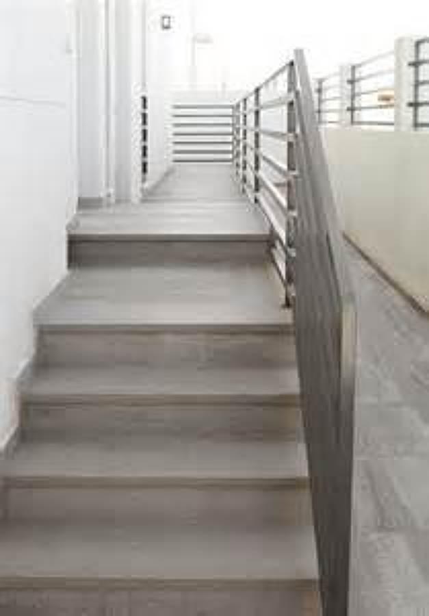 Trazado y revestimiento de escaleras ideas reformas viviendas - Revestimiento para escaleras ...