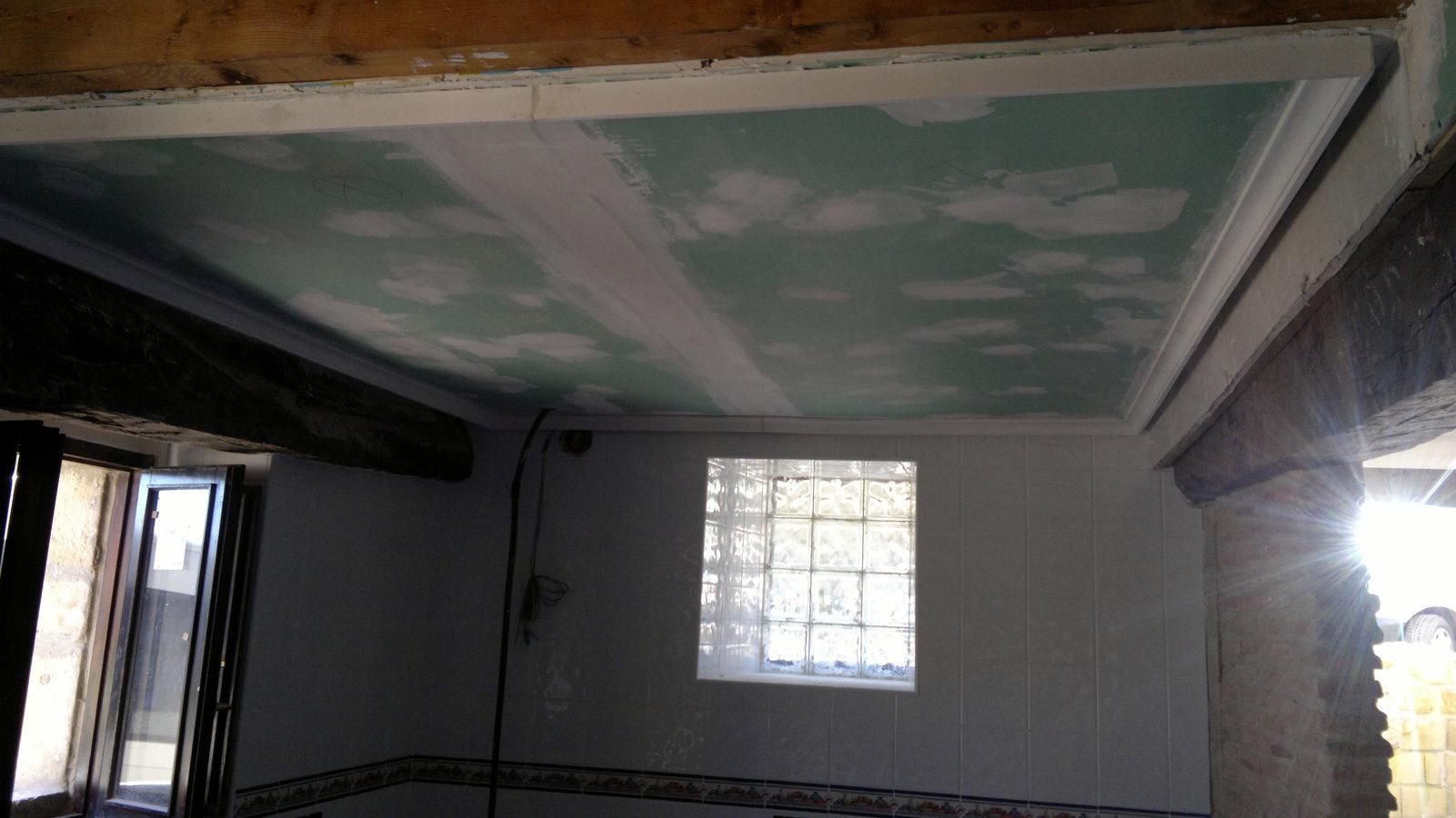Colocación de techo de cocina en pladur.