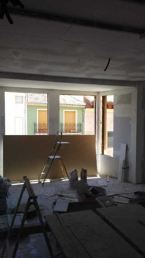 Colocación de techos continuos de Escayola.
