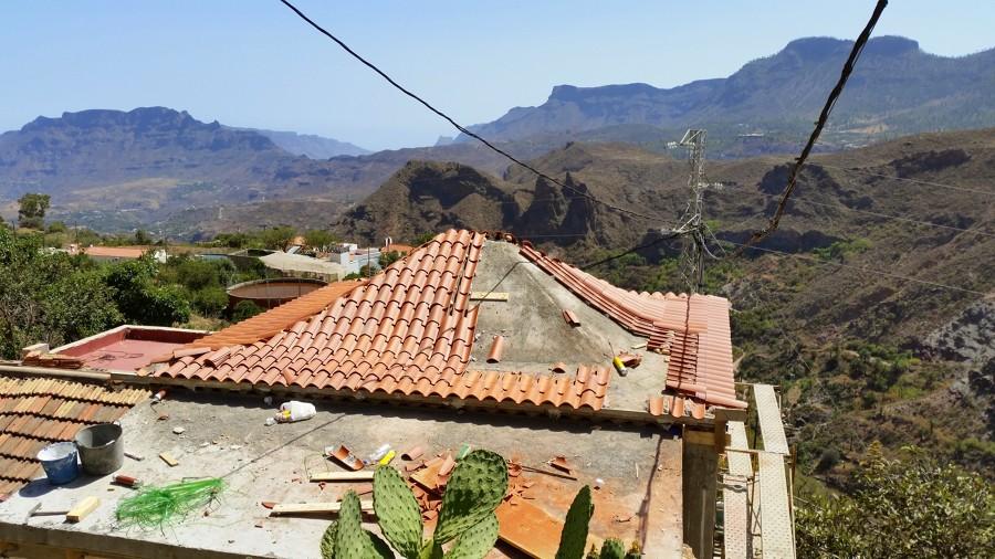 Reforma de tejado a cuatro aguas ideas tejados for Tejados de madera a cuatro aguas