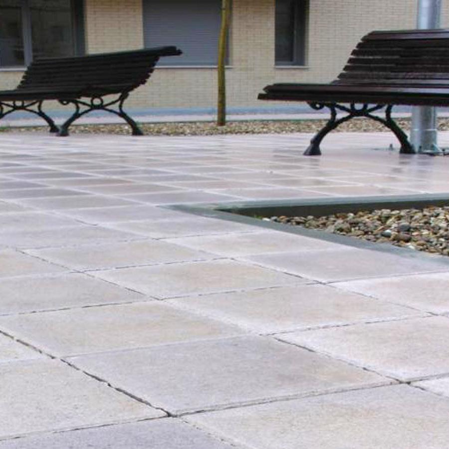 Colocaci n de adoquines terrazos gres ideas alba iles for Baldosa hormigon exterior
