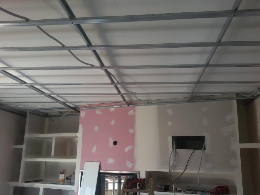 Colocación del techo de pladur.