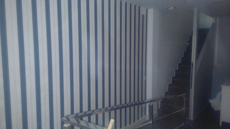 Foto colocaci n papel pintado de its instalaciones for Papel pintado coruna