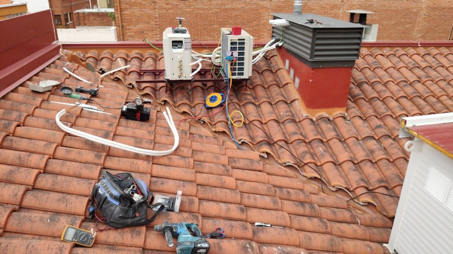 colocacion ud exterior en estructura tejado
