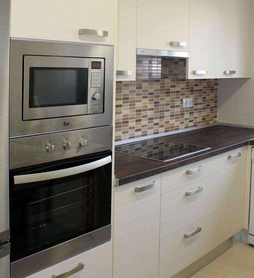 Cocina legno classic ideas reformas cocinas for Cocina al microondas