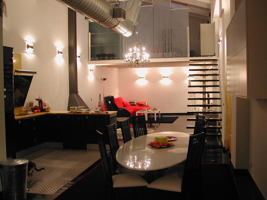 comedor, cocina, salón y acceso a dormitorio y baño en suite