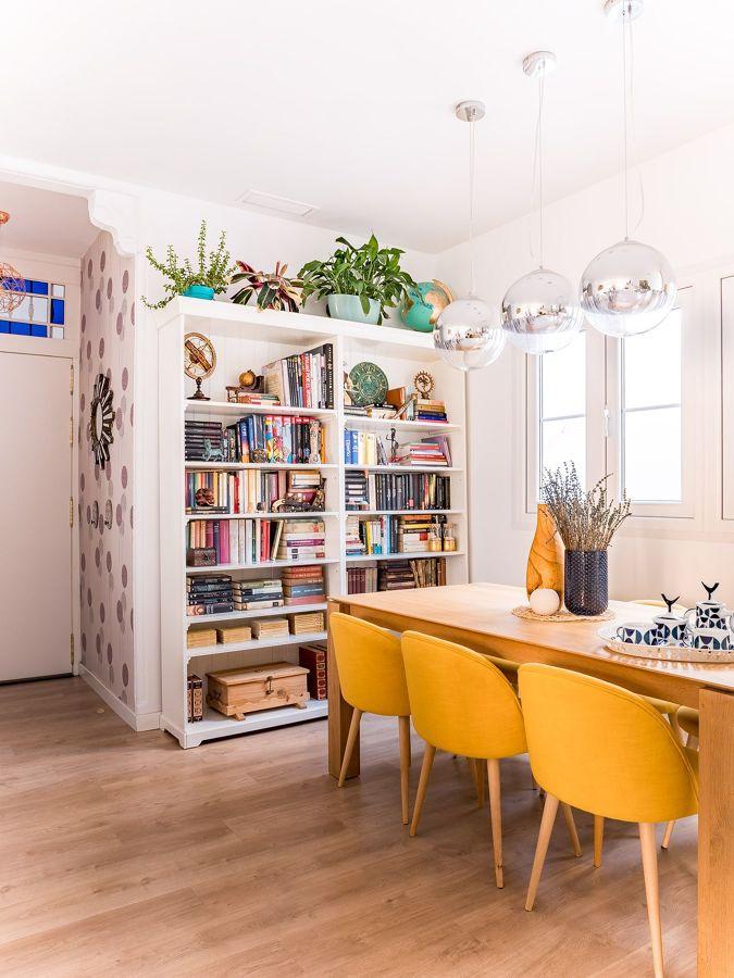 Comedor con librería