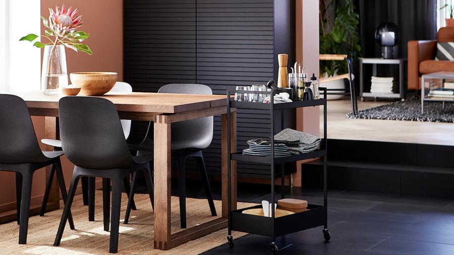 Comedor con mesa de roble de IKEA