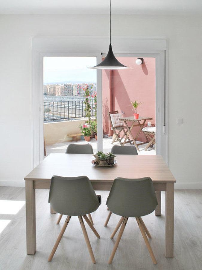 Foto comedor con ventana pvc de miv interiores 1245331 habitissimo - Miv interiores ...
