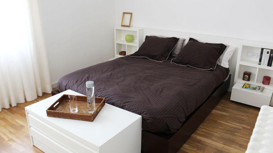 Cómoda a pie de cama