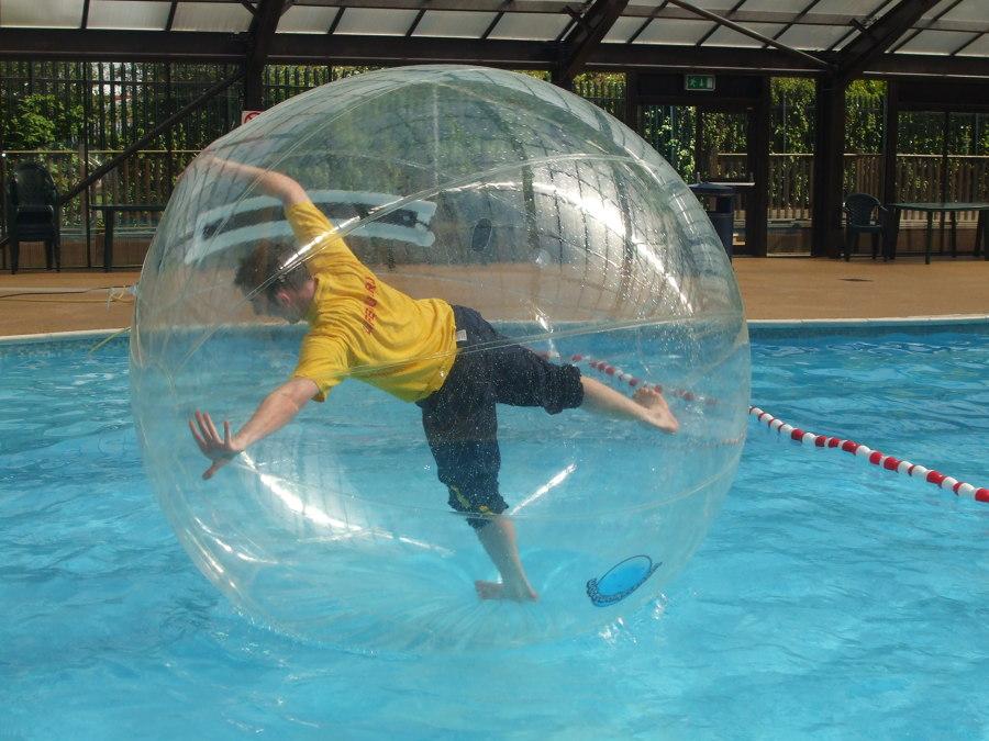 Foto burbuja transparente para piscina de elenatorrente for Burbuja piscina