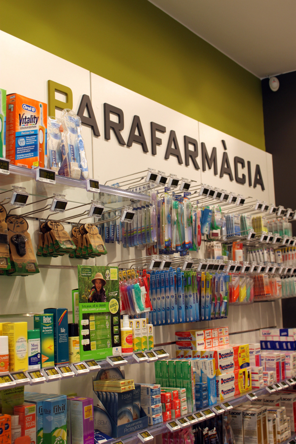 Interiorismo e Imagen Corporativa para Farmacia