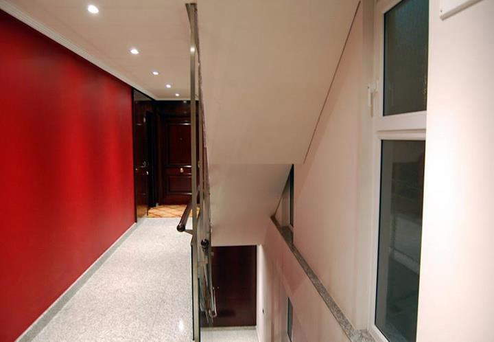 Sustituci n en portal y escaleras ideas electricistas for Escalera de electricista