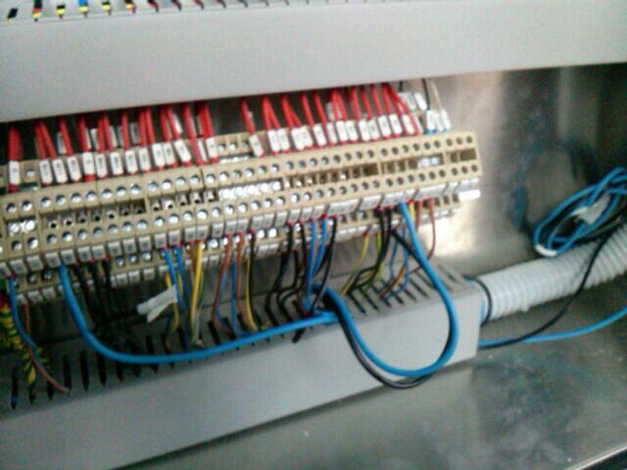 Conexionado de automatización de climatizador de quirófano