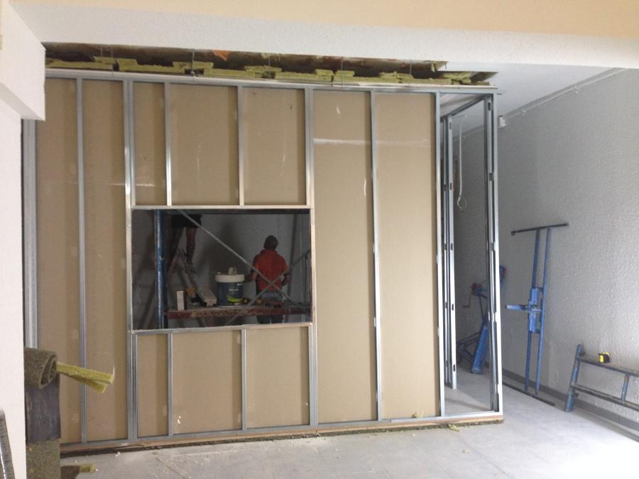 Construcció sala de locución. Vista 2