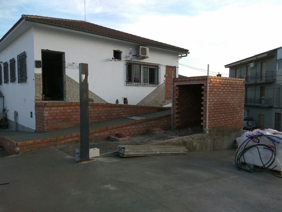 Construcción Baño Exterior y Rampa Minusvalidos