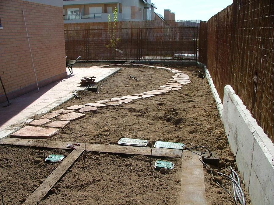 CONSTRUCCIÓN DE CAMINO