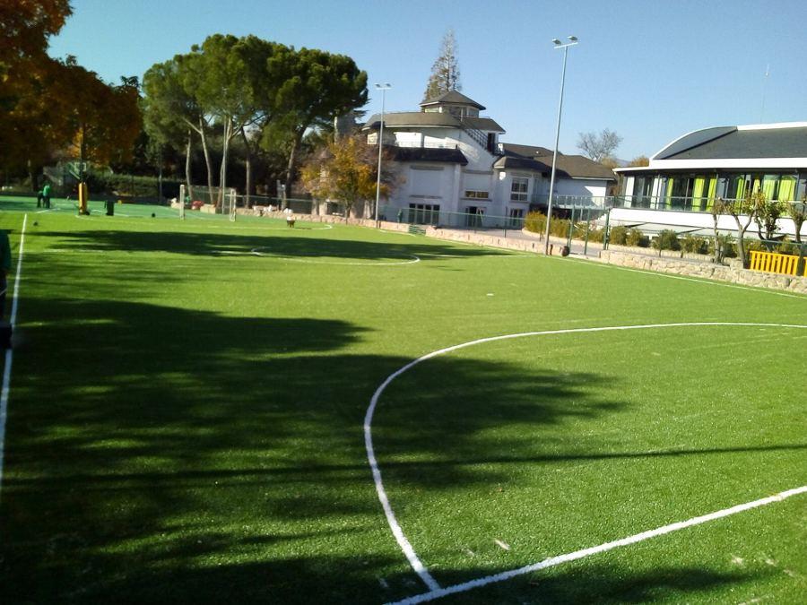 Construcción de campo de fútbol de cesped artificial en Colegio Montesori (Alpedrete, Madrid)_2