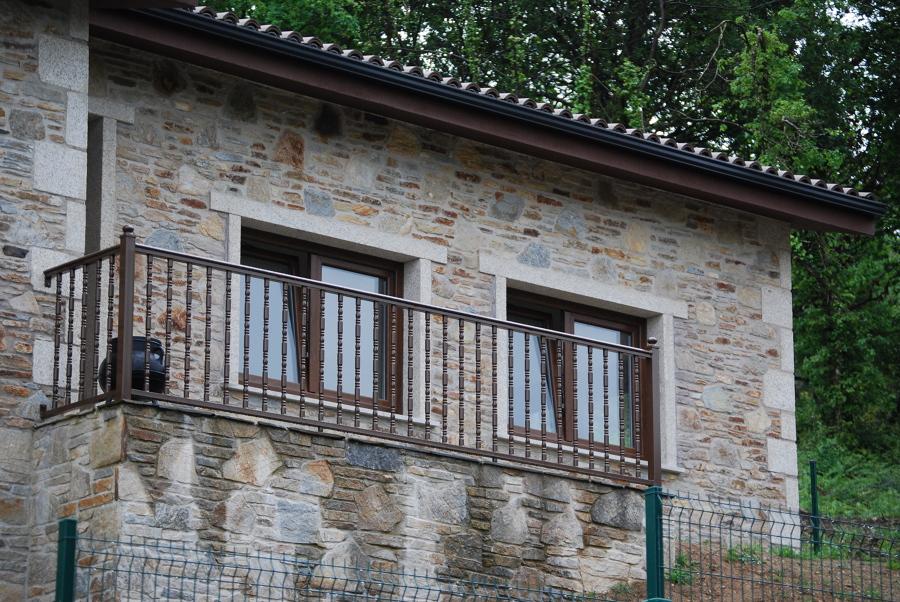 Construcci n de casa r stica en oleiros ideas - Construccion de casas rusticas ...