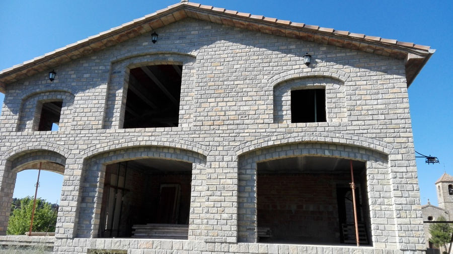 Construcci n de casa r stica en piedra natural ideas - Construccion casas de piedra ...
