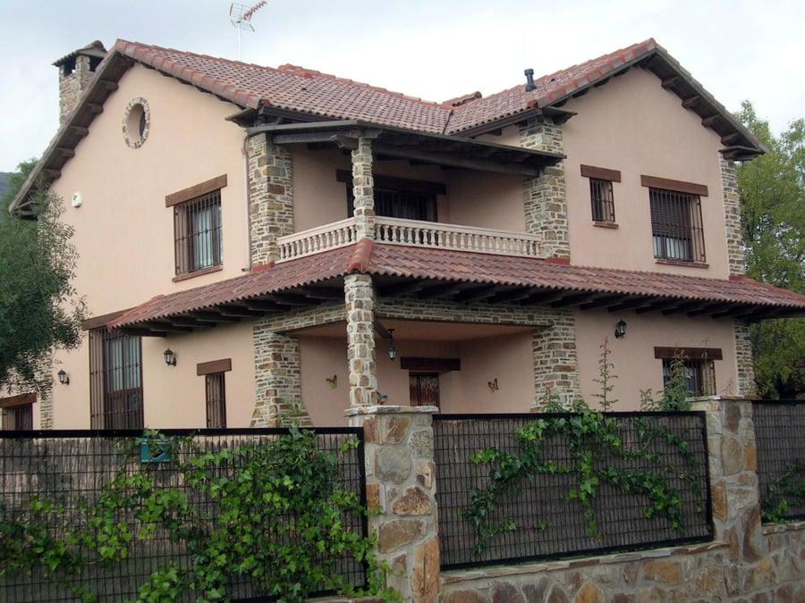 CONSTRUCCIÓN DE CHALET. Vista fachada principal