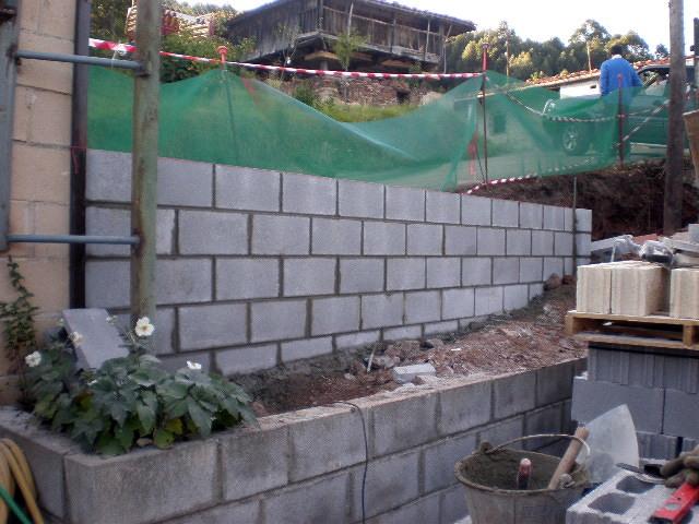 CONSTRUCCION DE MURO