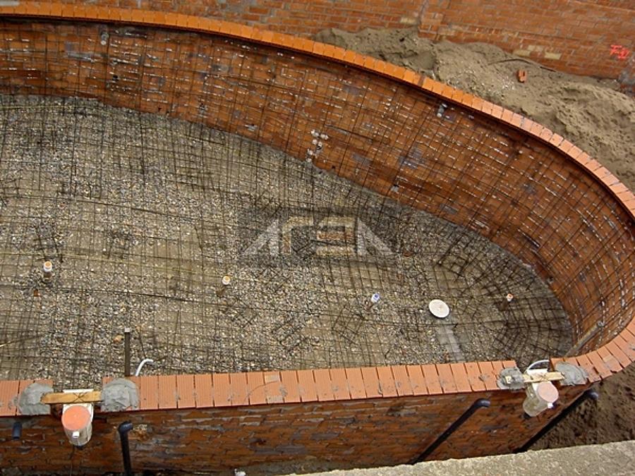 Proceso de construcci n de una piscina de obra climatizada for Construccion de una piscina