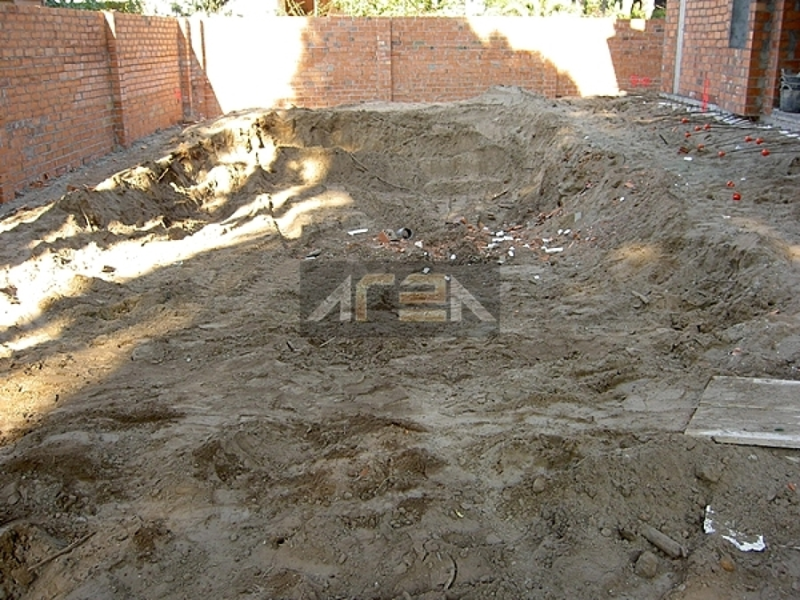 Foto construcci n de piscina castelldefels barcelona de for Construccion de piscinas barcelona