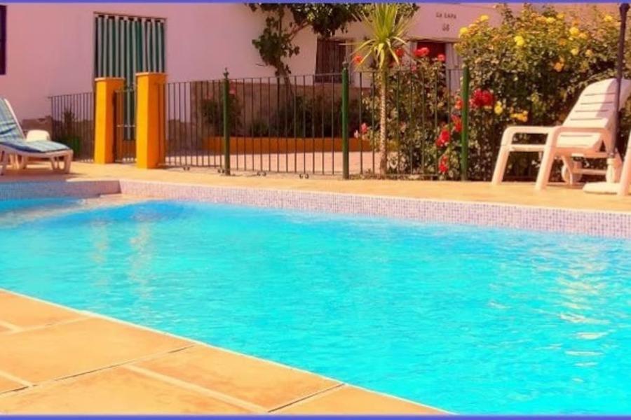 Construcción de piscina junto a Huerta Rural