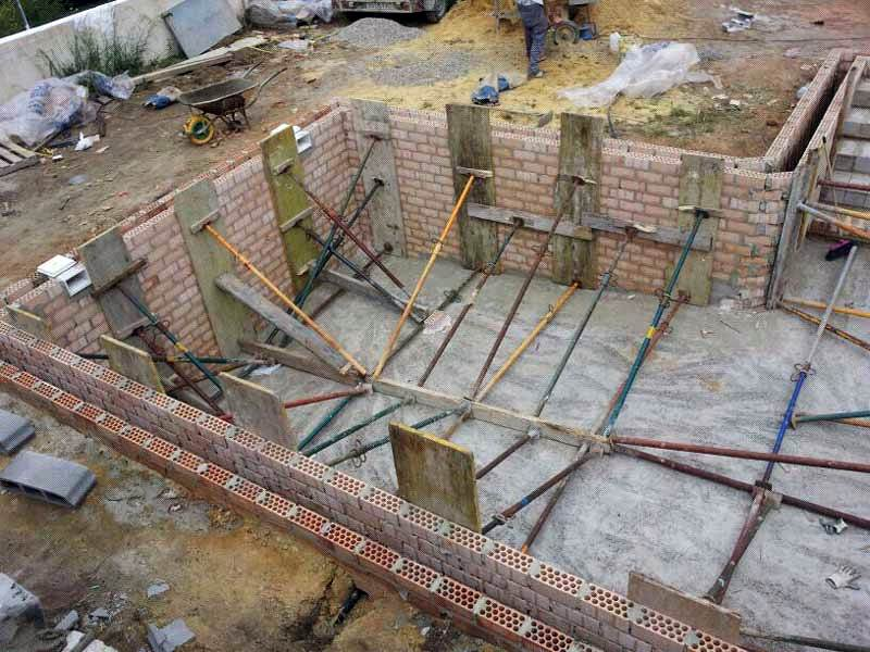Foto construcci n de piscinas de decorhalcon 237738 for Construccion de piscinas temperadas