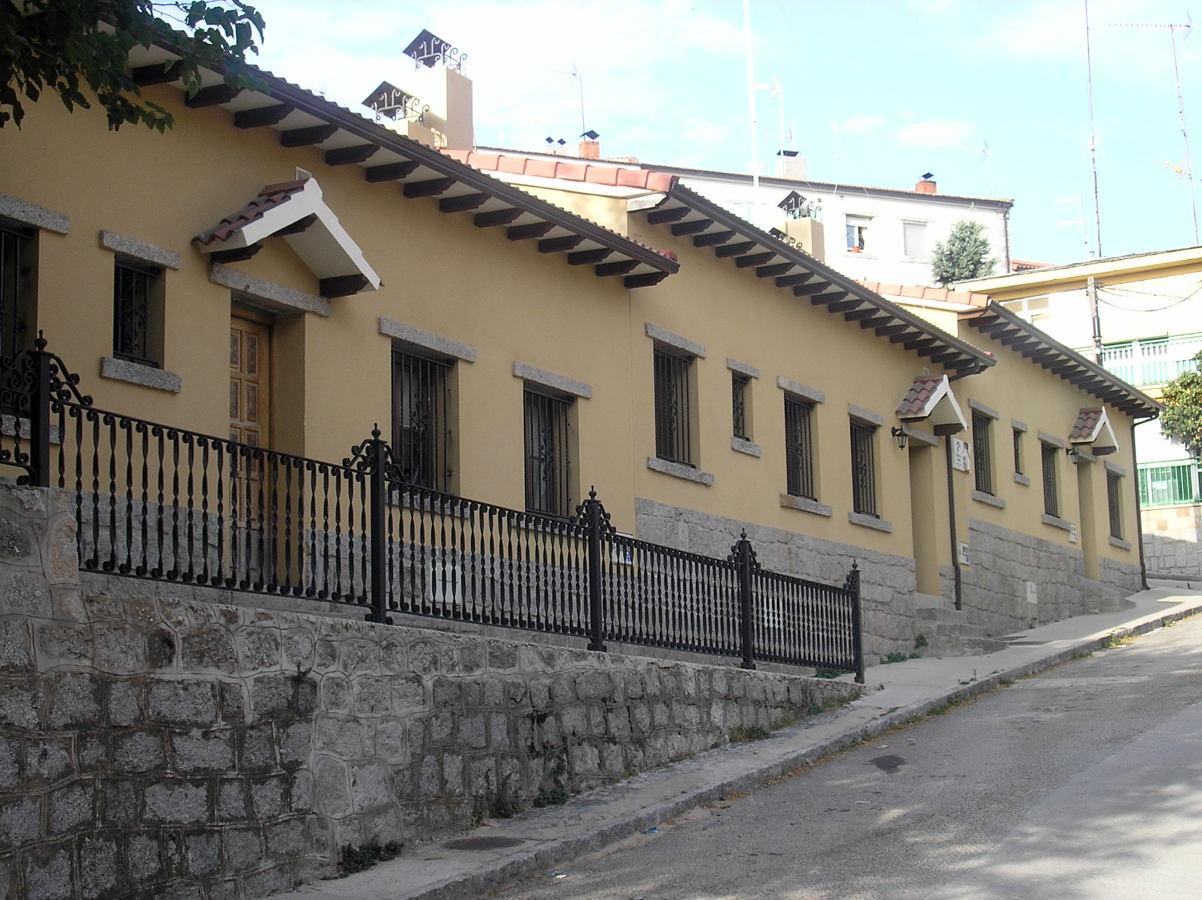 Construcción de Tres Viviendas Rurales El hoyo de pinares (Ávila)