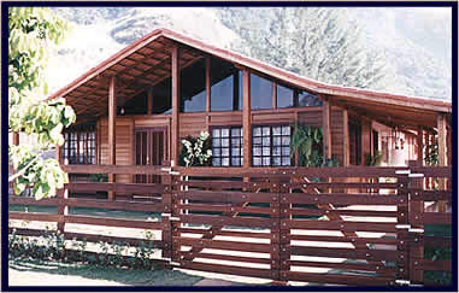 Construcción de vivienda en madera de grapia.
