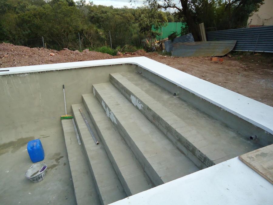 Construcci n piscina vivienda particular en c rdoba for Construccion de piscinas en cordoba