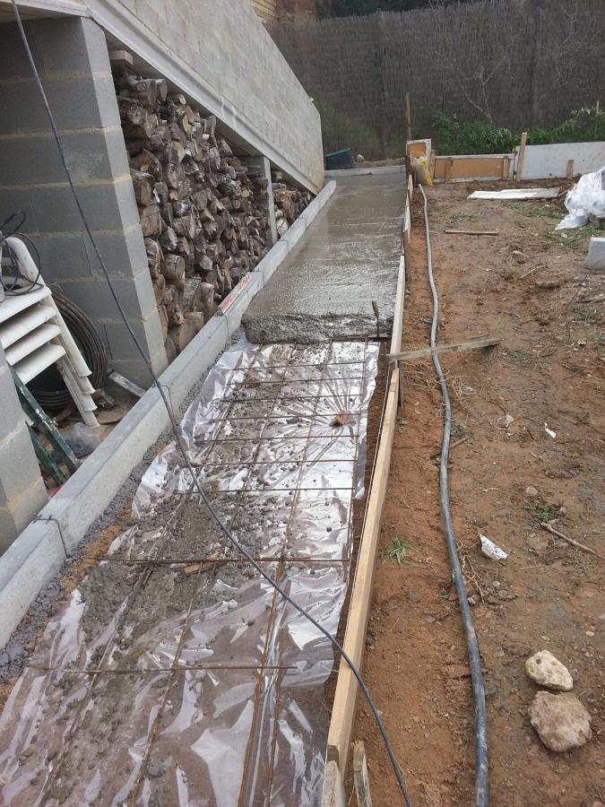 Foto construccion rampa y hormigonar acera de b clean for Como hacer una pileta de hormigon