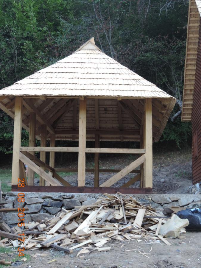 Construci n de casa de madera ideas construcci n casas for Alquiler chiringuito madera