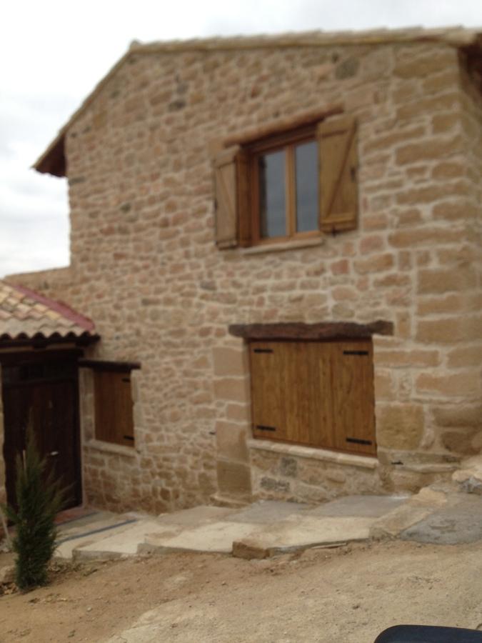 Ventanas de madera de iroko en madrid ideas carpinteros for Porticones madera exteriores