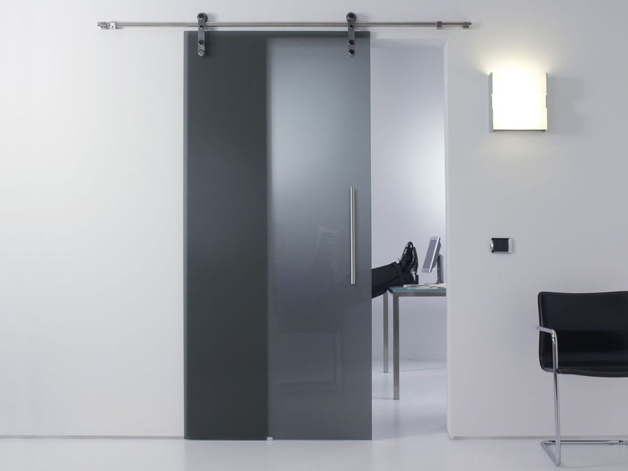 Foto puerta corredera de cristal ahumado de elenatorrente for Puertas correderas sevilla